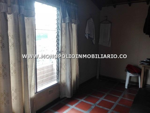 confortabes apartamentos venta centro cod: 16856