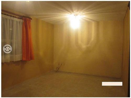 confortable departamento en planta baja dentro de privada