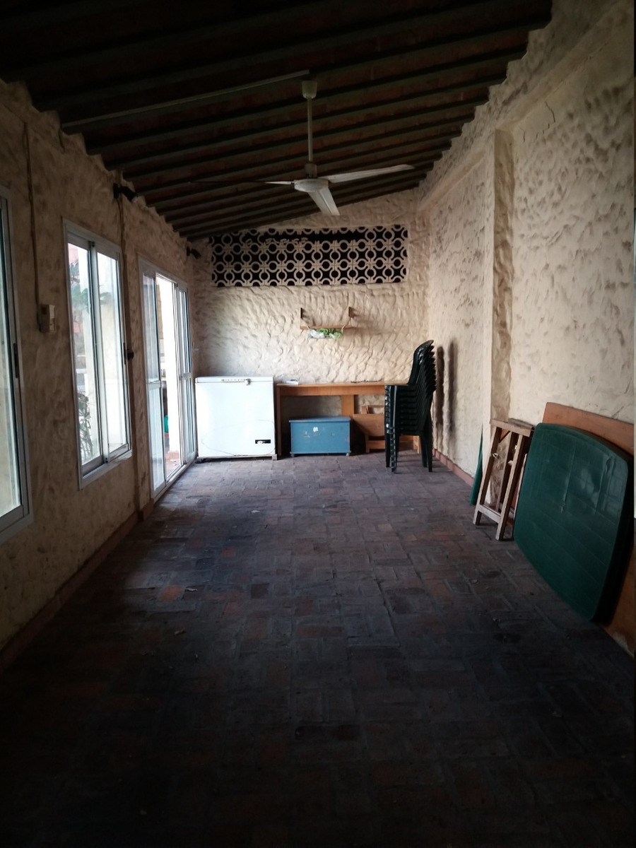 confortable funcional casa.muy buen estado.