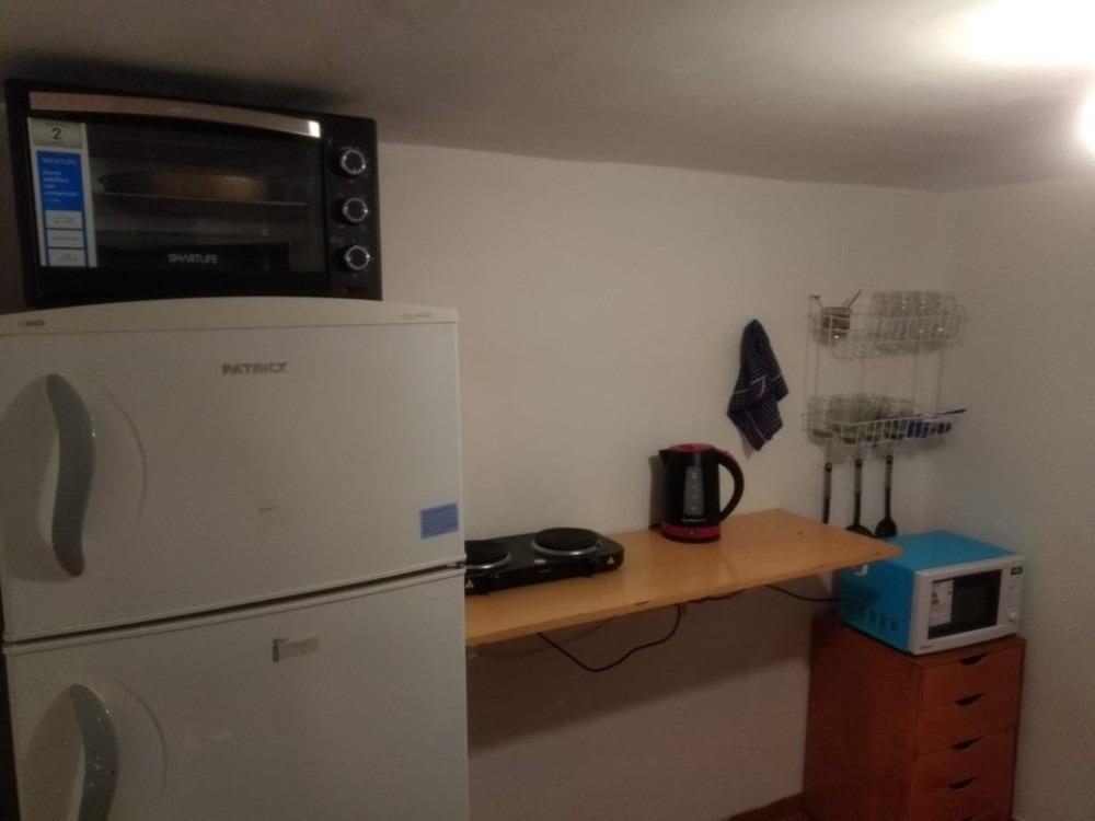 confortable habitacion en casa la calva