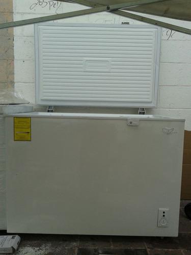 congelador horizontal 10 pies con ligeros detalles
