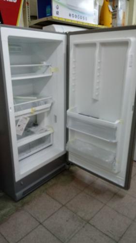congelador vertical frigidaire fgvu17f8qf (17p³) nueva caja