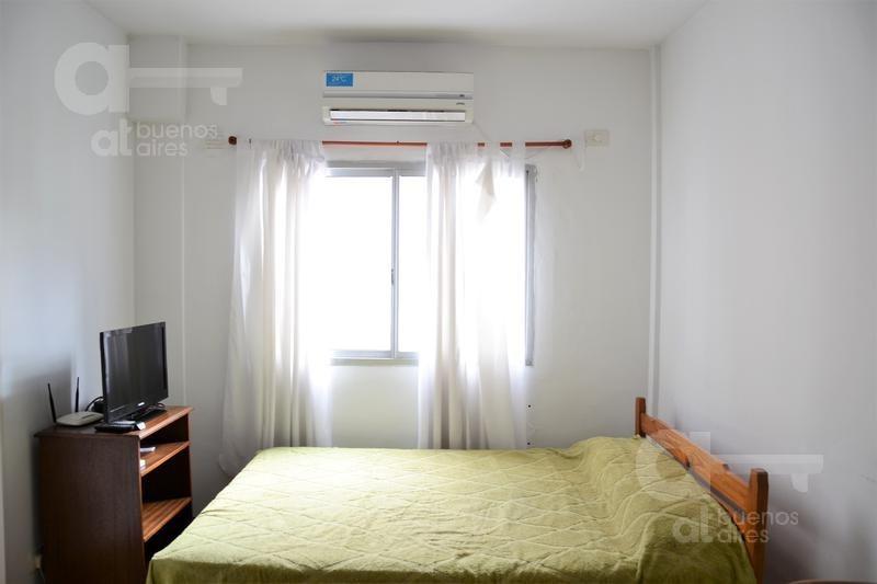congreso- amplio monoambiente con balcon- ideal estudiante- alquiler temporario sin garantía