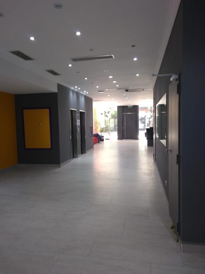 congreso - bmé mitre 2000  - 1 amb.div.   7 piso - fte - lobby 200 mts - apto prof.