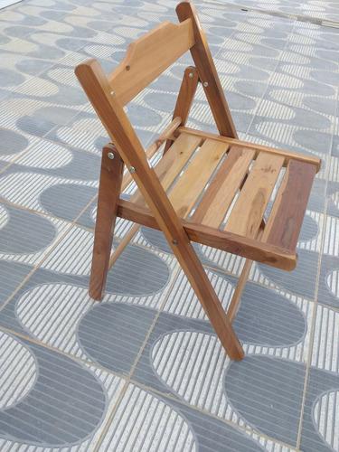 conj. de mesa dobrável 70x70 e 4 cadeiras em madeira ipê
