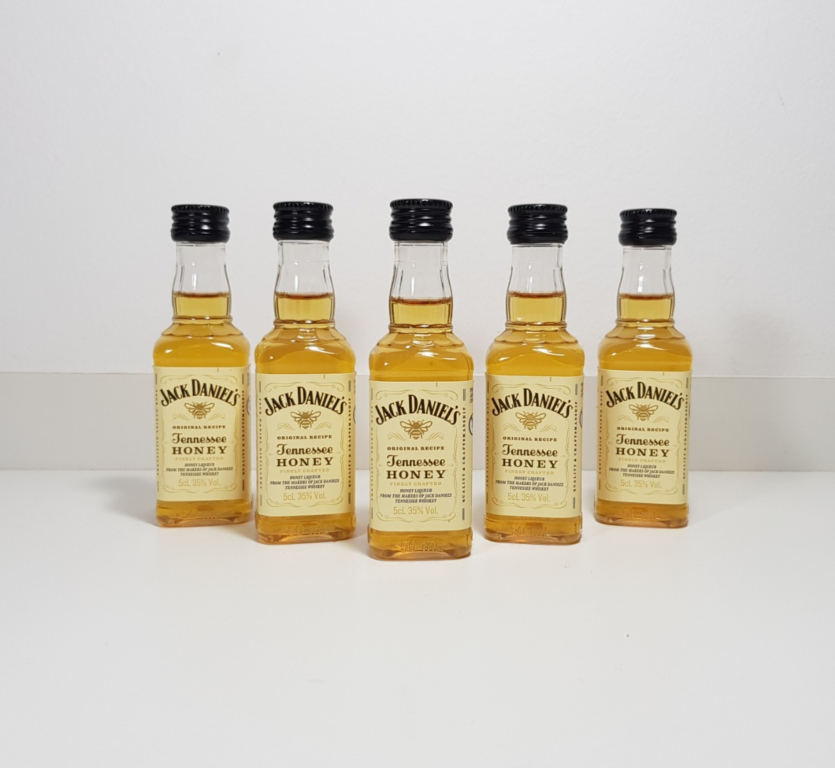 20c2182571 conjunto 10 miniaturas whisky jack daniels honey 50ml. Carregando zoom.