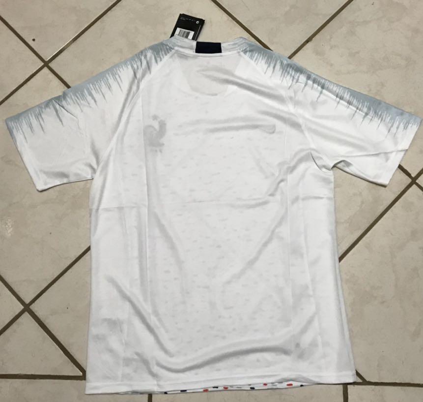 ... conjunto adulto camisa e shorts seleção frança oficial nike. Carregando  zoom. cd8f06554d5e3