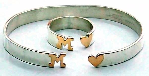 conjunto anillo y pulsera pinza plata y oro letra corazón