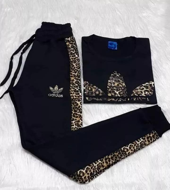 a14b3710ec99 Conjunto Animal Print Deportivo Mujer Remera Pantalón