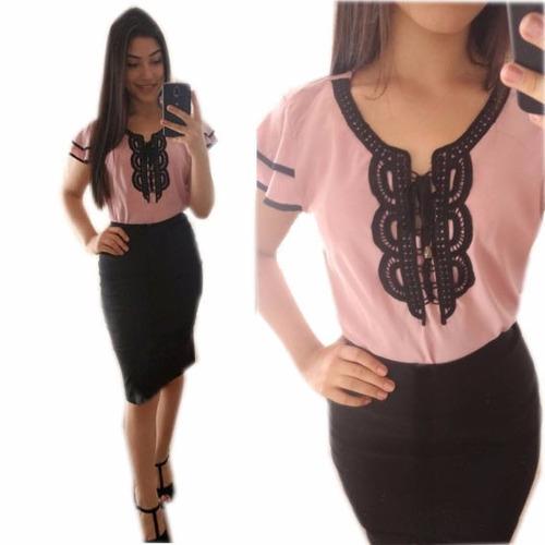 conjunto blusa rosa  salmon guipir e saia lápis preta