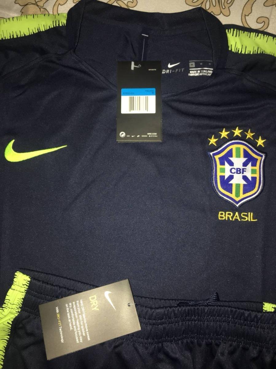 c0b38a81e1 Conjunto Camisa + Calça Treino Nike Brasil Drill Masculina - R  329 ...