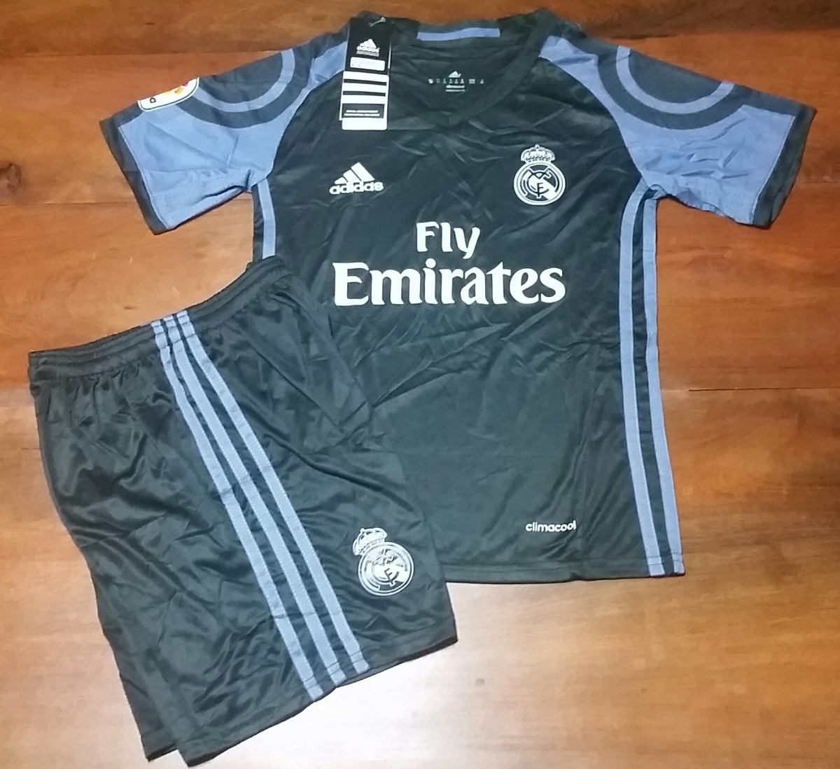 Conjunto Camiseta + Short Suplente- Real Madrid 2017   Niños -   999 ... 22e282917a06f