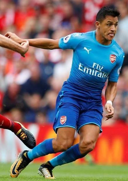 86c0133444ece Conjunto Camiseta + Shorts Arsenal Nike Alexis Sanchez -   15.990 en ...