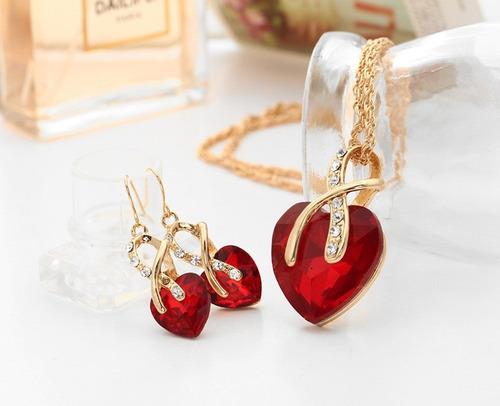 conjunto colar feminino e brincos dourado pingente coração