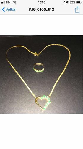 conjunto de colar e anel em esmeralda