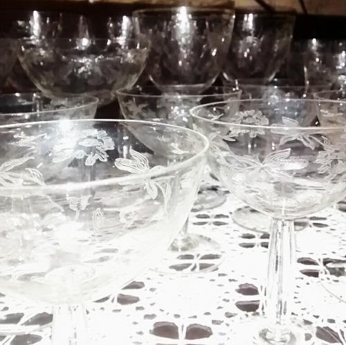 conjunto de cristal com 45 peças,trabalhadas a mão