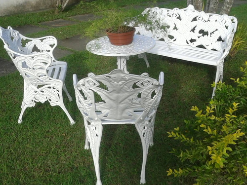 conjunto de jardim samambaia em  alumínio fundido.