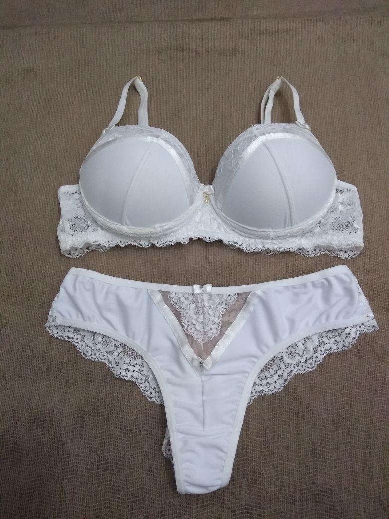 dd4298bf1 Conjunto De Lingerie Branco Com Detalhe Em Renda Gabriely M - R  128 ...