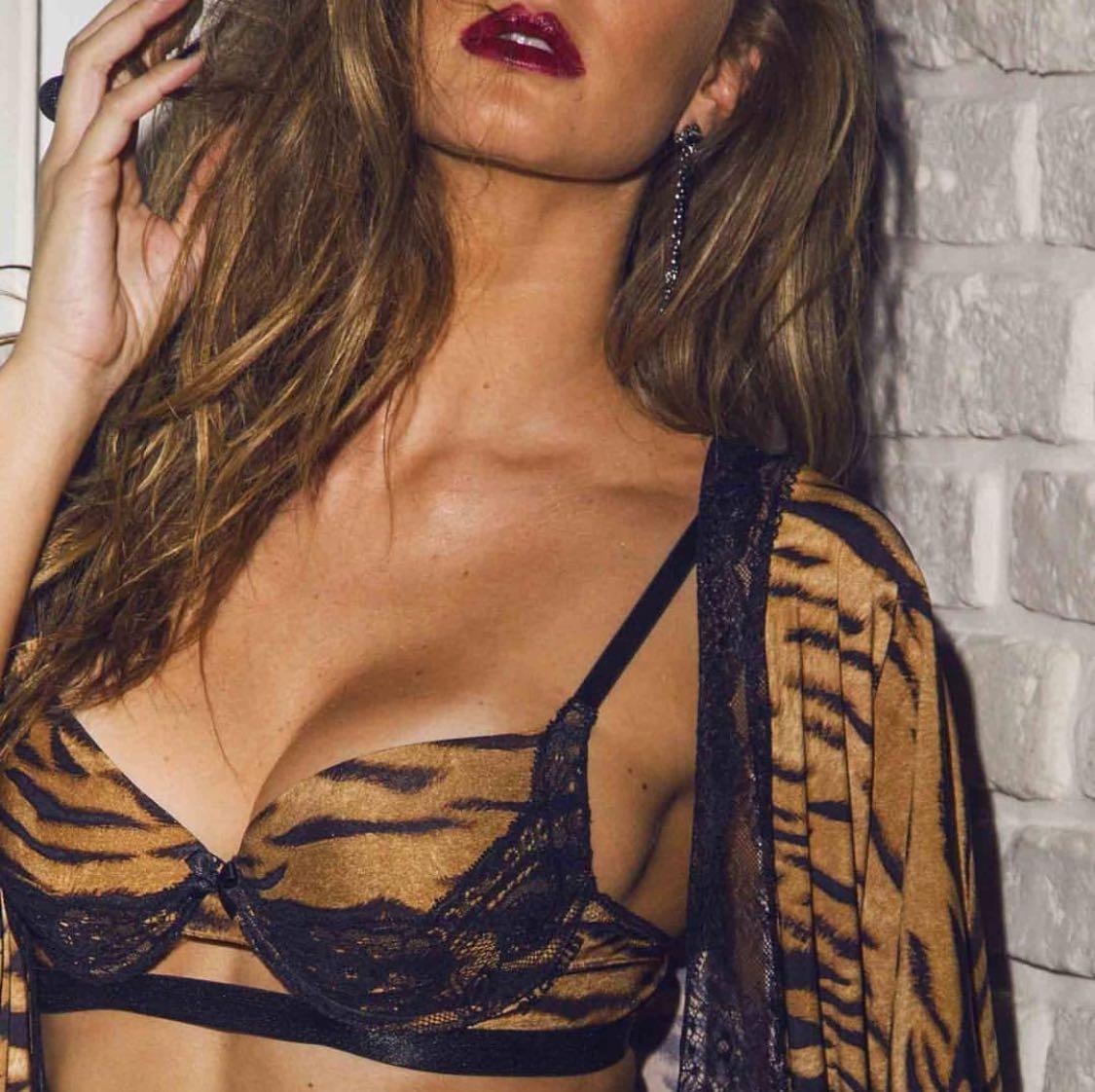 0f36cdd05 conjunto de lingerie tigre luxo de chelles. Carregando zoom.