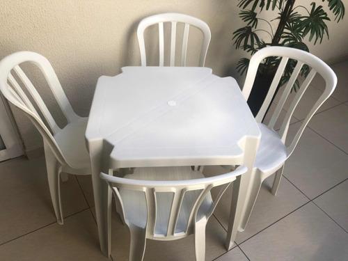 conjunto de mesas e cadeiras de plástico 182 kilos