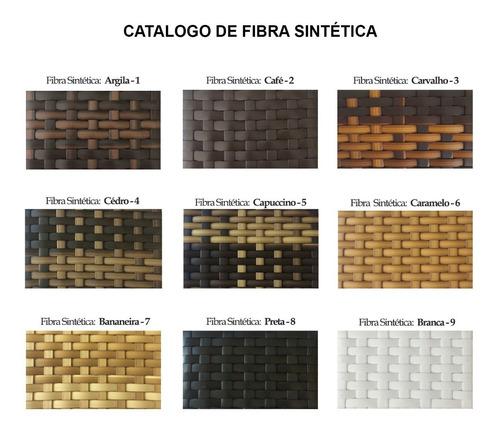conjunto de móveis em fibra sintética e alumínio .