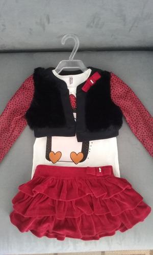 conjunto de short saia, blusa e casaco