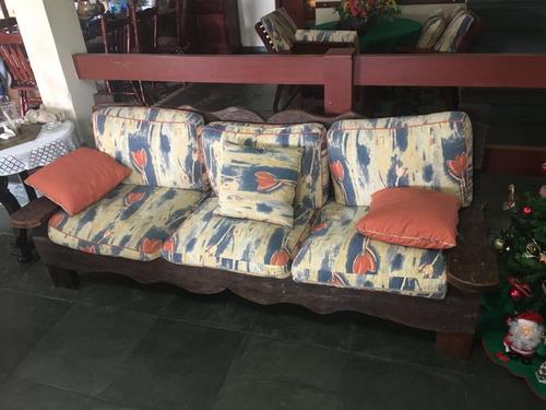 conjunto de sofá 3 e 2 lugares +1 poltrona+1 mesa de centro