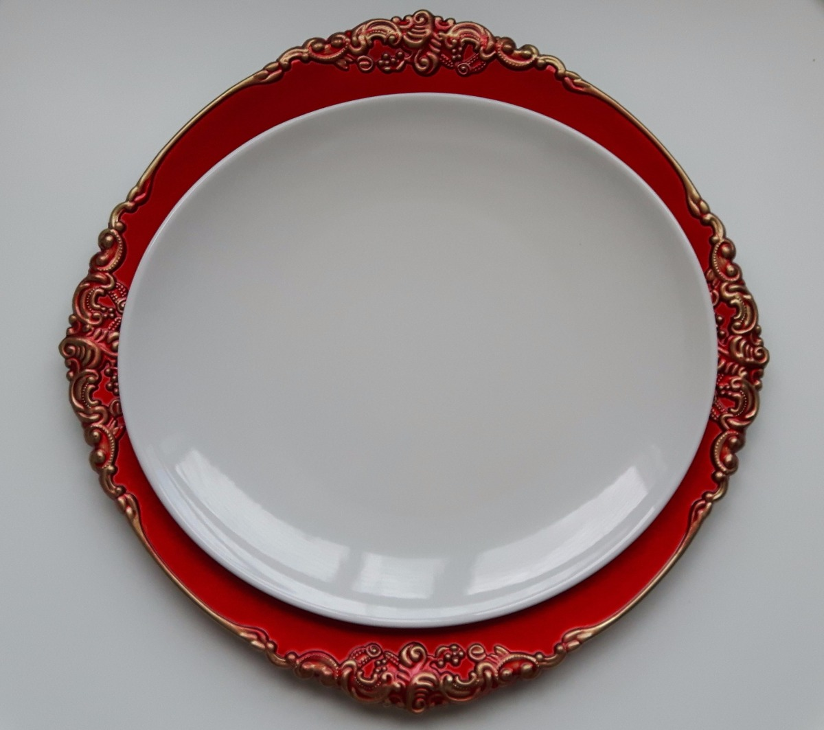 a0683042e83 conjunto de sousplat 6 peças vermelho e dourado porta prato. Carregando  zoom.