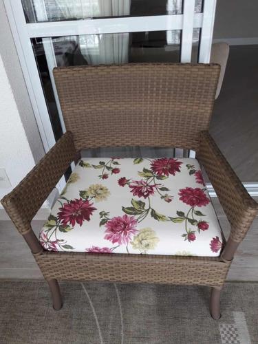 conjunto de varanda mesa e sofá