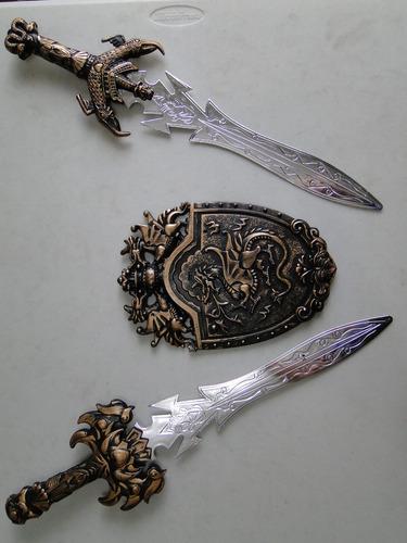 conjunto espadas e escudo gladiador medieval cavaleiro