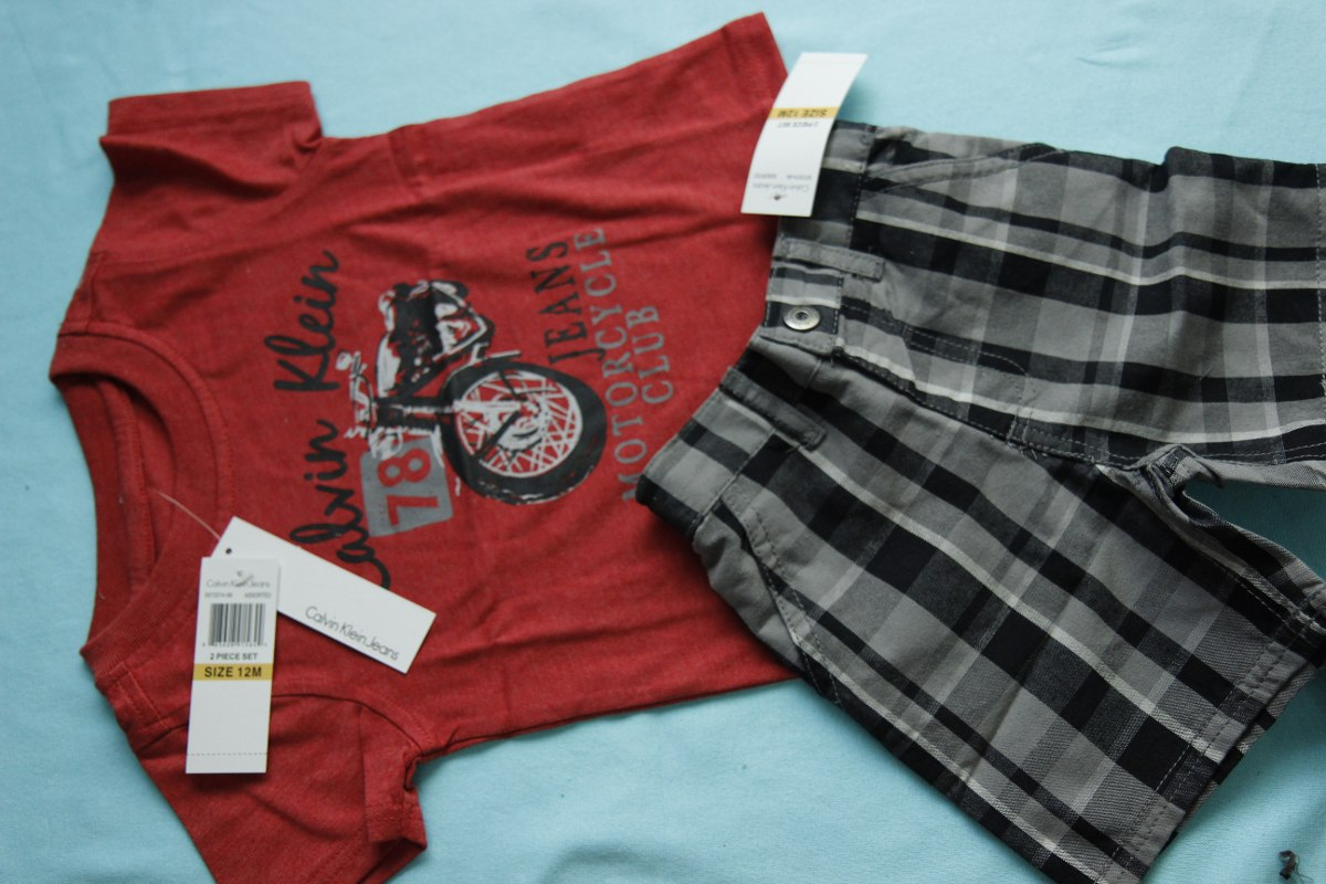 3eb01d945a062 Conjunto Infantil Calvin Klein Camisa E Short 12 M - R  149,90 em ...
