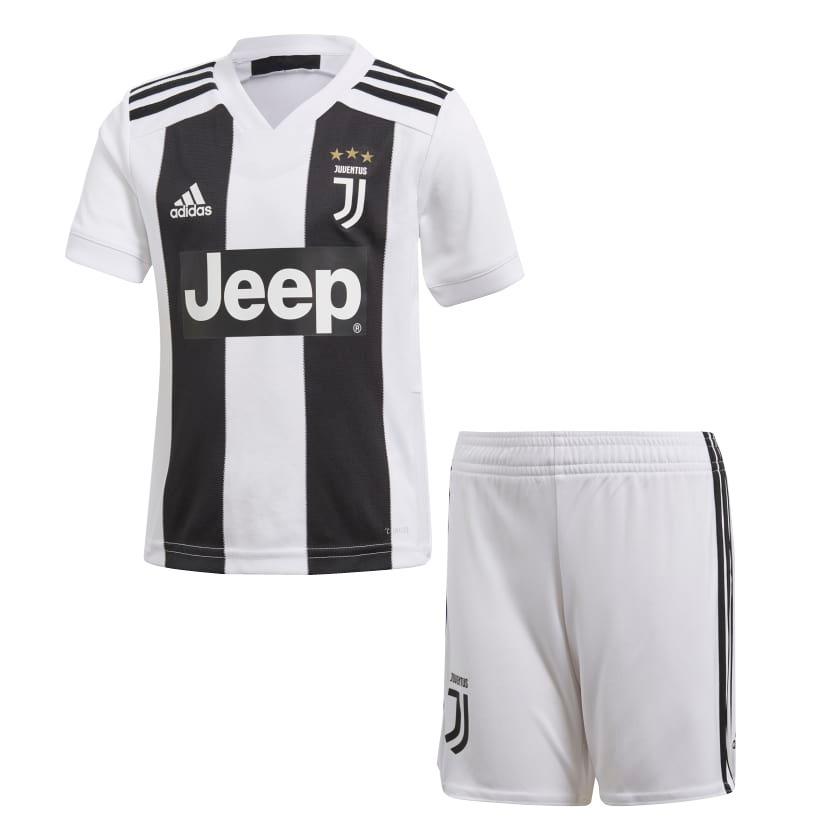 conjunto infantil camisa shorts futebol juventus 2018. Carregando zoom. 0c09b28181dd1