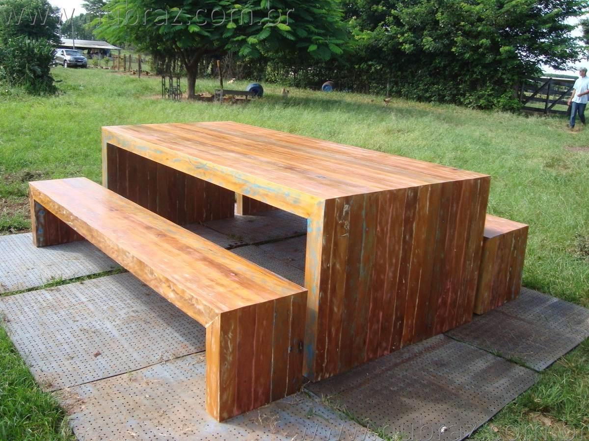 Conjunto mesa e bancos de madeira modelo trave imponente for Modelos de mesas redondas de madera