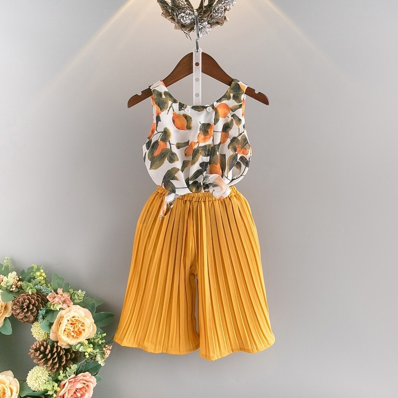 96aa88fc368 conjunto roupa infantil blusa florida e saia franzida menina. Carregando  zoom.