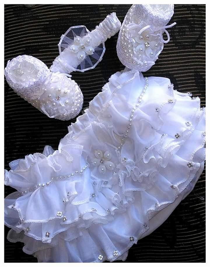 68994d7e1 conjunto sapatinho tiara e calcinha luxo. Carregando zoom.