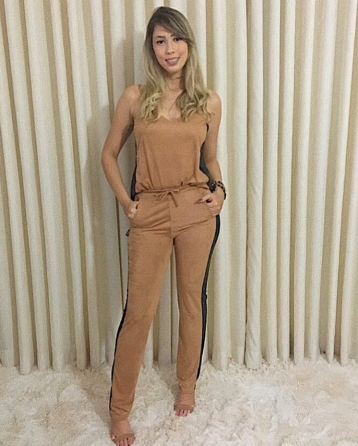 eb6cf04a4f conjunto suede feminino calça e blusinha alcinha blogueira. Carregando zoom.