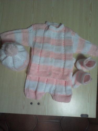 conjunto tejido a mano para bebe de 0 a 6 meses.