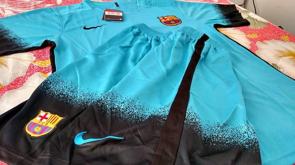 30529fa802 conjunto camisa barcelona azul + short 15.16. Carregando zoom.