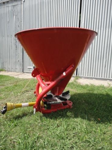 cono esparcidor de semillas y fertilizantes - fertilizadora