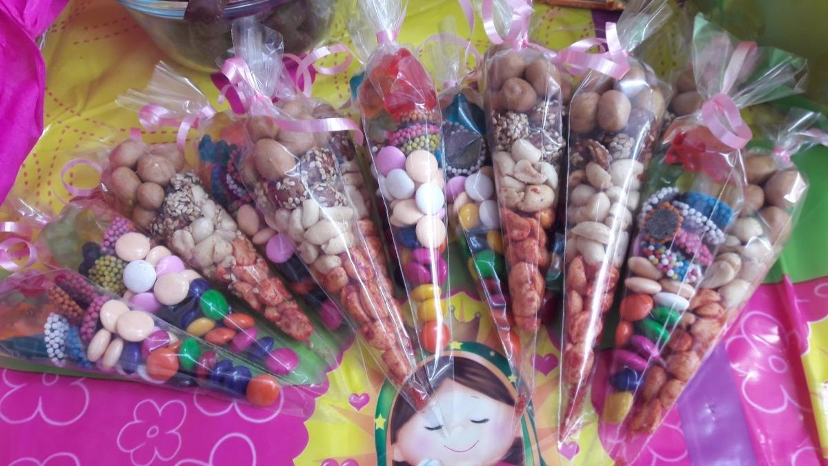 Conos y bolsitas mesa de dulces candy bar en for Mesas dulces para eventos