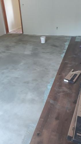 conserto de carpete de madeira e piso laminado.
