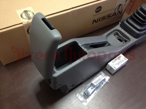 consola descansa brazos tsuru 2013 original nissan envio gts