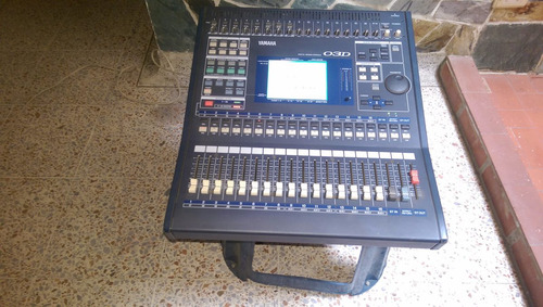 consola digital yamaha de 24 canales en perfecto estado