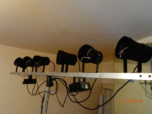 consola iluminacion gbr  pc110 + 6 spot par36 +soporte luces