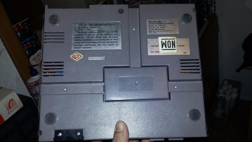 consola nes nintendo + eliminador para piezas o reparación