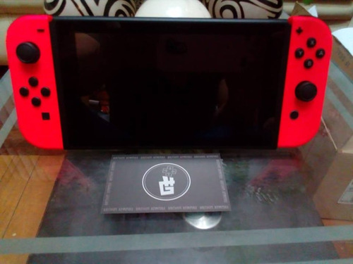 consola nintendo switch portable rojo nuevo s/950 soles.