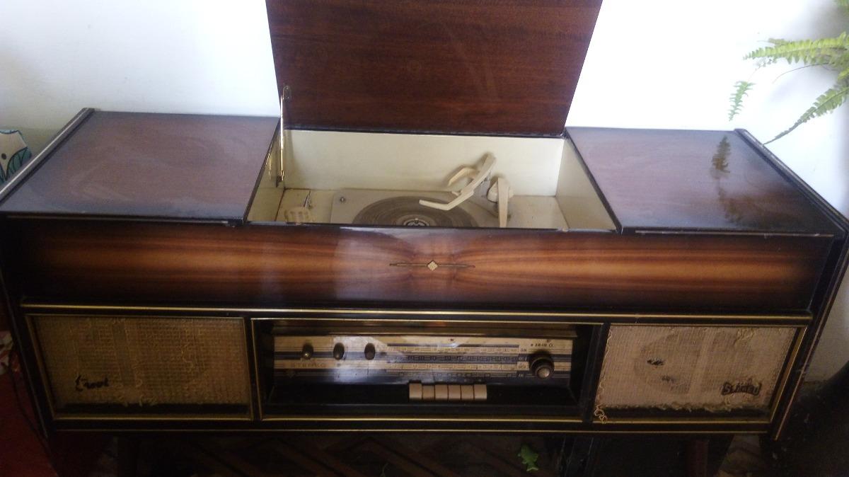 Consola tocadiscos con radio antiguo de los a os 50 39 s for Consolas antiguas muebles
