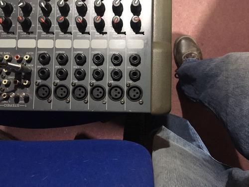 consola vantage vx10 y parlantes. permuto