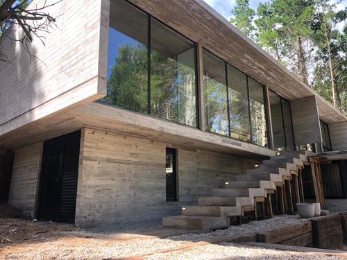 construccion costa esmeralda, villa robles, zona norte.
