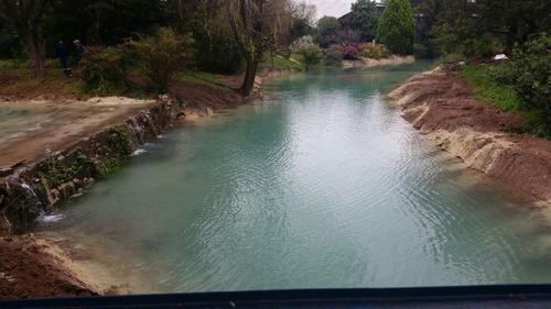 construcción lagos y lagunas